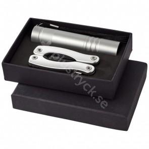 Scout presentförpackning med multikniv och LED-ficklampa